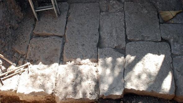 Didim'de Yeni Bir Tapınağın İşaretleri Bulundu
