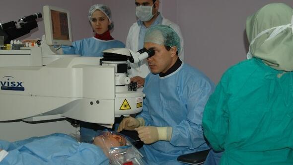 İlasik Lazer Yöntemiyle Gözlük Kullanmaya Son