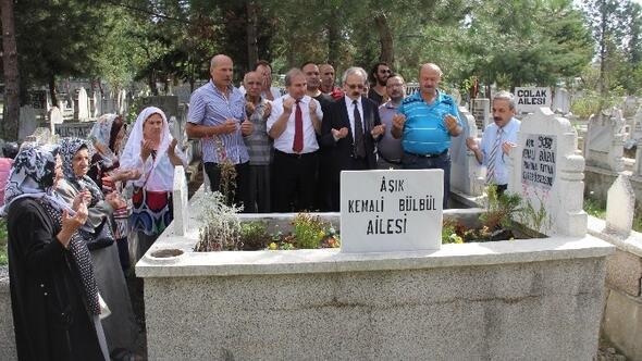 Halk Ozanı Aşık Kemali Bülbül Mezarı Başında Anıldı