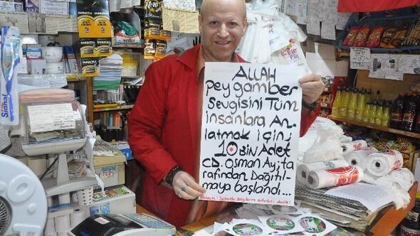 Gölcüklü Esnaf, Dükkanına Gelenlere Peygamber Sevgisini Anlatan CD'ler Dağıtıyor