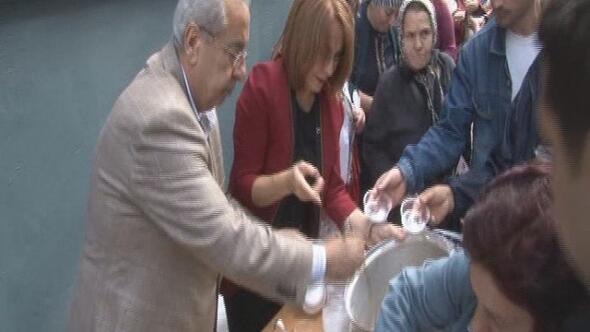 MHP Zonguldak'ta Aşure Dağıttı