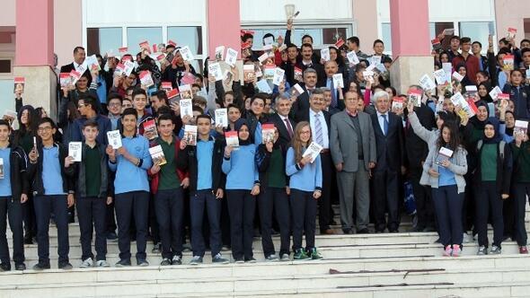 Babaoğlu Vakfından Okullara 17 Bin Kitap