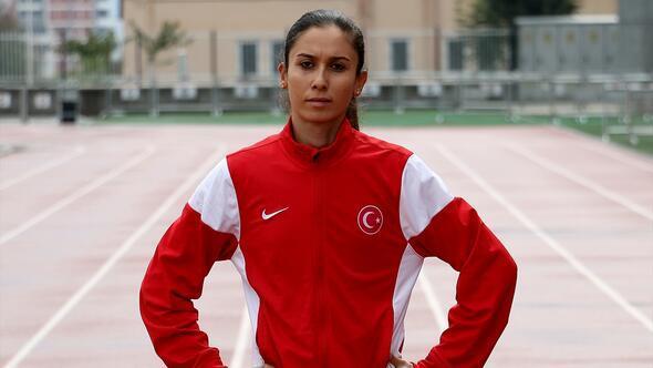 Türk bayrağı sevgisiyle motive oluyor