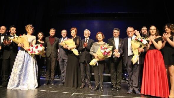 Nilüfer'de perdeler 'Seyirci Kalma' sloganıyla açıldı