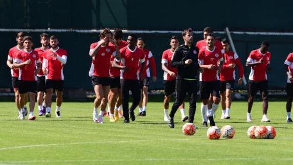 Antalyaspor gelecek sezonu planlıyor