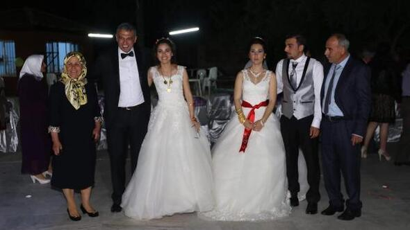 İki gelin, iki damatlı düğün