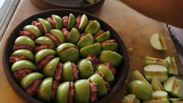 'Sakin şehir' Halfeti'nin meyveli yemekleri görücüye çıktı