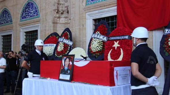 Selimiye Camisindeki şehit cenazesinde Atatürke alkış