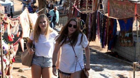 İzmirde turizmi bu kez futbol vurdu