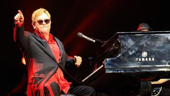 Elton Johndan Türkiye mesajı