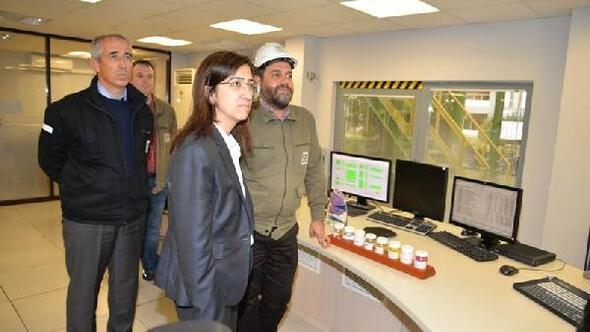 Vali Yılmaz, Aksa fabrikasını ziyaret etti