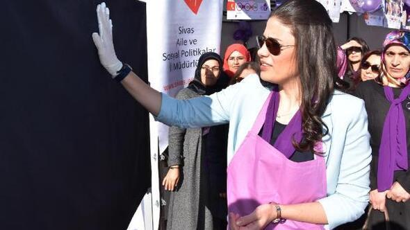 Sivasta kadına şiddet protesto edildi