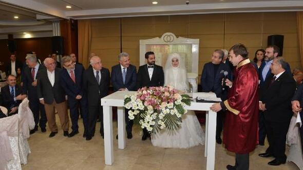 Büyükşehirden ilk nikah