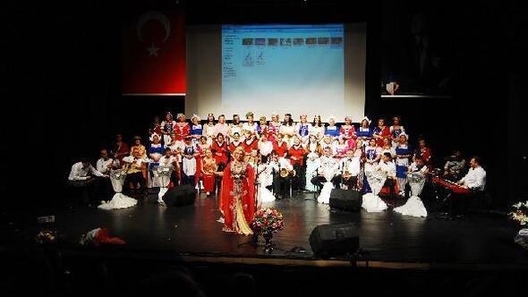 Nilüfer Kadın Korosu, şarkılarını Kızıl Ordu Korosu anısına seslendirdi
