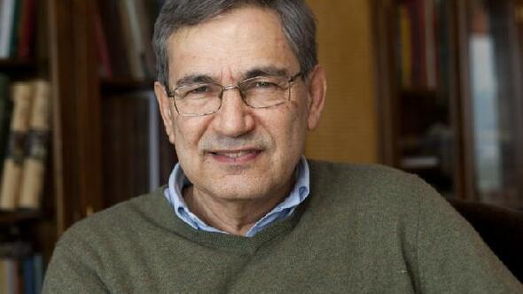 Orhan Pamuka St. Petersburg Üniversitesinden şeref doktorası