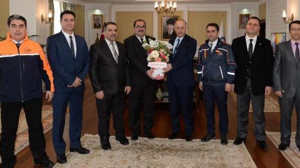Vali Azizoğlu, AFAD ekibini kutladı