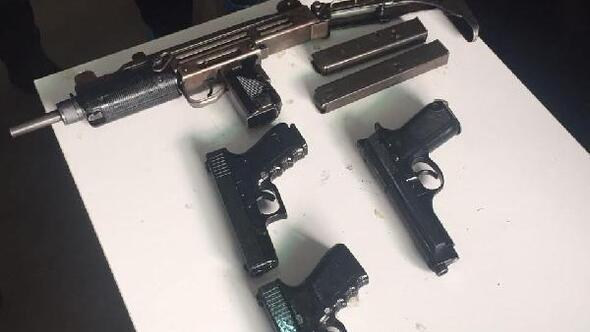3 PKKlı İzmirde suikast silahlarıyla yakalandı