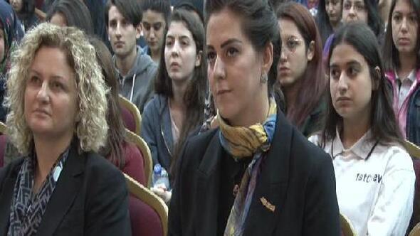Nilhan Osmanoğlu lise öğrencilerine hitap etti: Devletin çıkarlarının başladığı yerde basın özgürlüğü bitmiştir