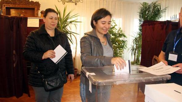 Bulgaristan'da seçim için Trakya'daki çifte vatandaşlar oylarını kullandı