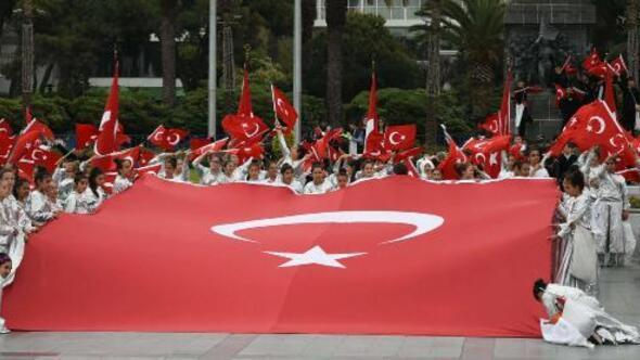 İzmirde 23 Nisan provası