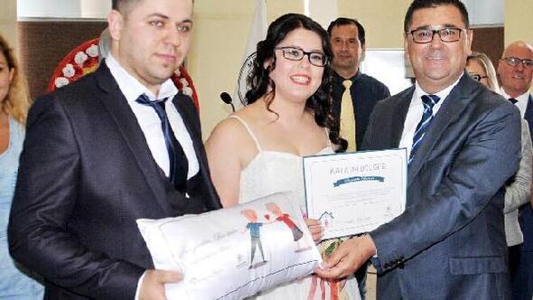 Bir yastıkta bir ömür için önce sertifika sonra evlilik