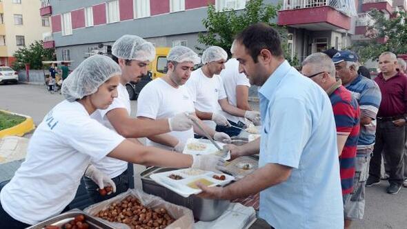 Büyükşehirden Altınova ve Meydan Kavağına iftar sofrası