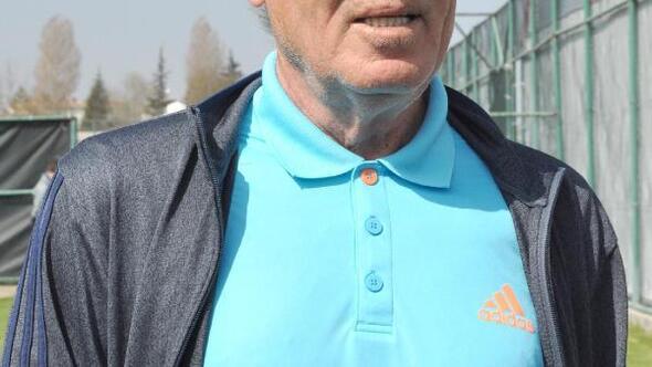 Eskişehrispor Mustafa Denizli ile yollarını ayırdı
