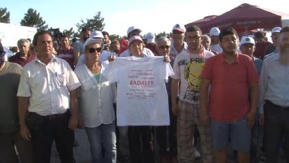 CHPnin Adalet Yürüyüşünde duran adam eylemi