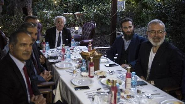 Hanedan üyeleri ile Payitaht Abdülhamit oyuncuları iftar yemeğinde buluştu