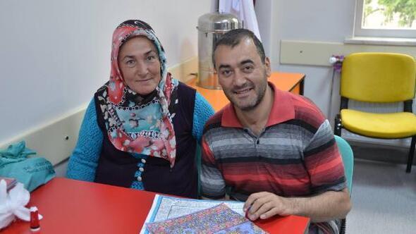 Başkan Gülcüoğlu, engelli kursiyerlerin dokuma atölyelerini ziyaret etti