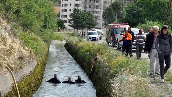 Otomobilin uçtuğu sulama kanalında 1 kişi kayıp (2)