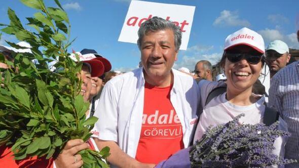 CHPli Balbay, Adalet Yürüyüşüne katılanların evine misafir oldu