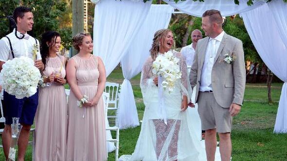 Norveçli Emeline, aşığı olduğu Kemerde evlendi