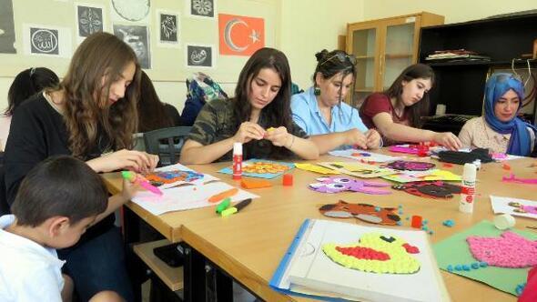 Midyatta genç kızlara çocuk gelişimi eğitimi