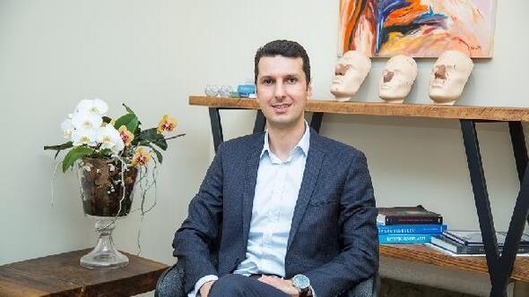 Op. Dr. Aykut Özpür: Yaşlanmaya meydan okuyun