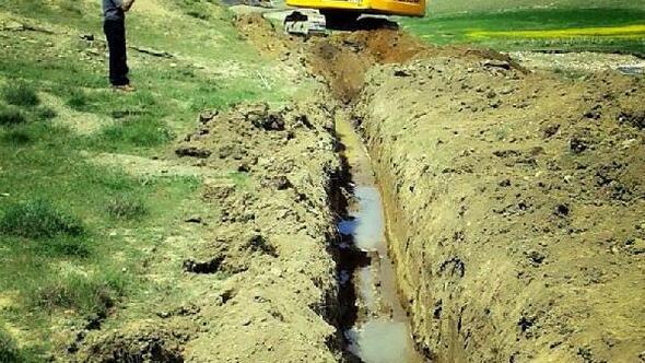 Gürpınar'da sulama kanalları onarılıyor