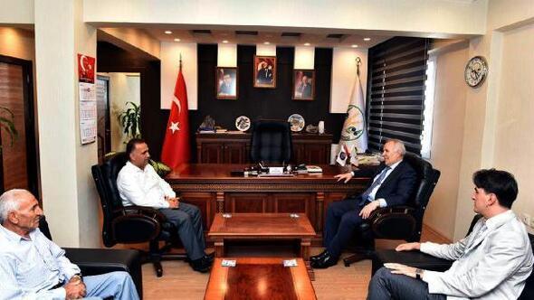 Vali Ata'dan Başkan Sarı'ya taziye ziyareti