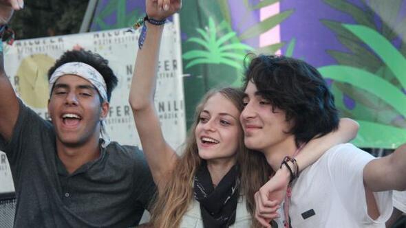 Nilüfer Müzik Festivalinin son günüde Cem Adrian rüzgarı