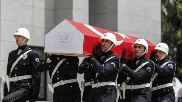 Şehit polis için İstanbul Emniyet Müdürlüğünde tören düzenlendi (2)