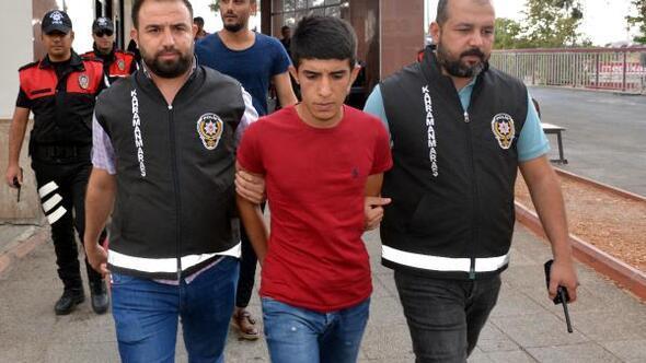 Bıçakla gasp yapan 2 kişi tutuklandı
