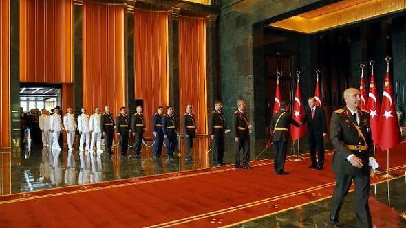 Erdoğan, Zafer Bayramı tebriklerini kabul etti