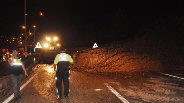 Serinhisarda şiddetli yağmur, sel ve heyelana neden oldu