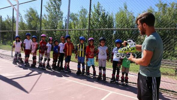 Gürpınar Belediyesi'nin desteğiyle kayak sporuna hazırlanıyorlar