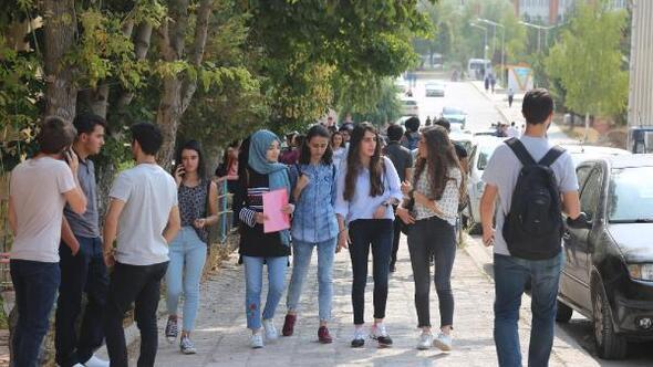 Cumhuriyet Üniversitesinde yeni öğretim yılı başladı