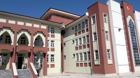 7 milyon liraya mal olan okulda 45 öğrenci var