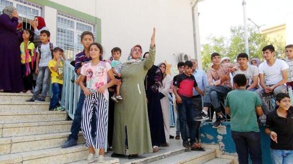 Şanlıurfada okulda Suriyeli gerginliği
