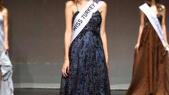 """Miss Turkey 2017 güzelinin tacı """"15 Temmuz"""" paylaşımı nedeniyle geri alındı"""
