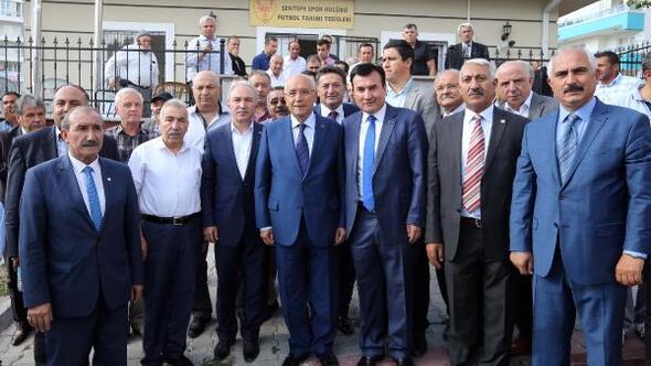 Başkan Yaşar, futbolcuları yalnız bırakmadı