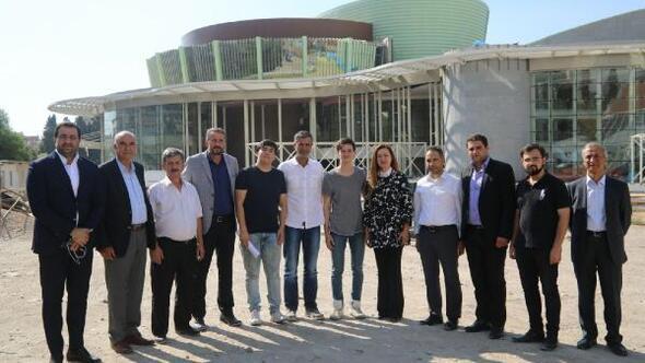 Hotar: Bornova Kültür Merkezi son aşamada