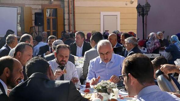 Başkan Piriştina din adamlarını ağırladı
